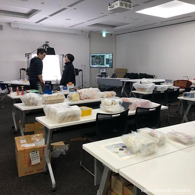 ASPaC WEEKの始まり、恒例の作品撮影会でした。アジア各国から集まった学生作品がたくさん。